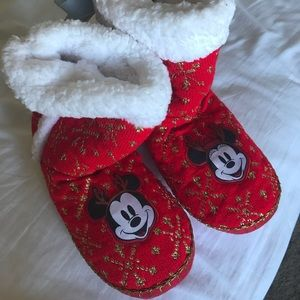 Disney Store Christmas Slippers- Size L 9/10